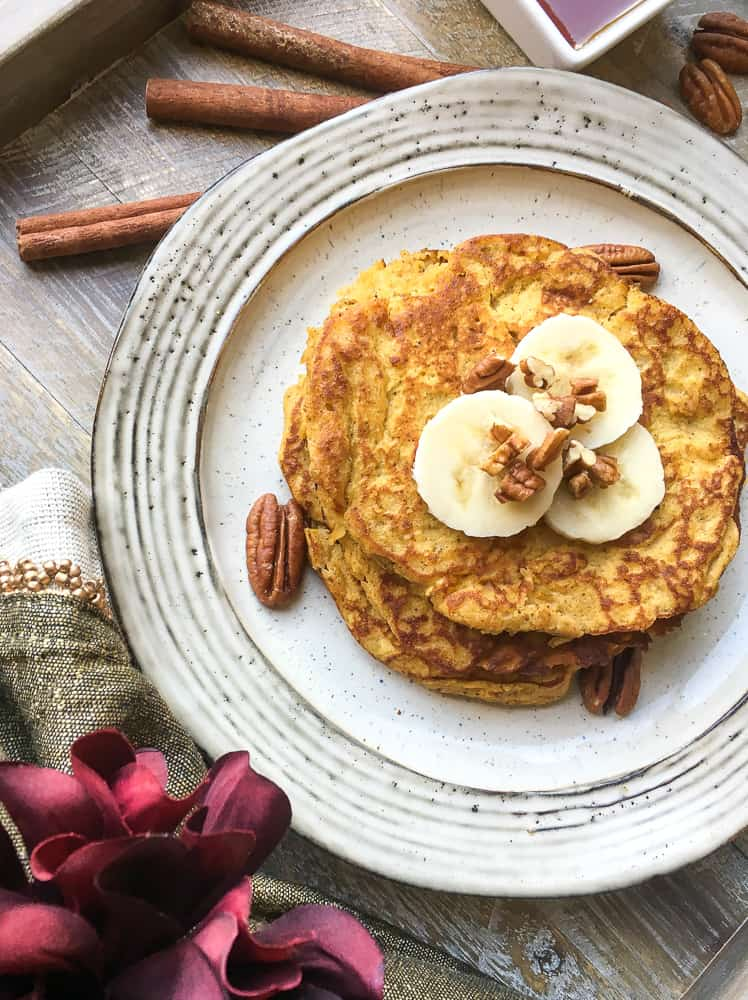 Paleo Pumpkin Spice Pancakes | Grain-free, pumpkin-packed, and super delicious Paleo Pumpkin Spice Pancakes #paleo #pumpkin #pumpkinspice #pumpkinpancakes #pancakes #HWS #healthywealthyskinny