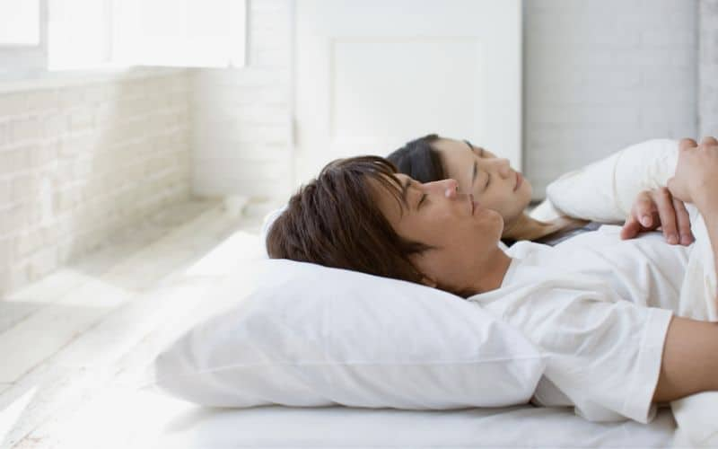 4 Healthy Benefits of Sleeping on the