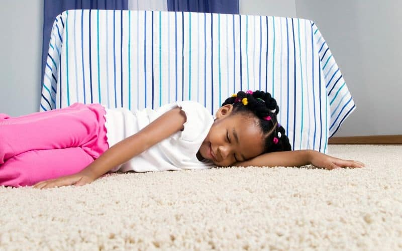 Disadvantages of Sleeping on the Floor - Can be bad for side sleepers