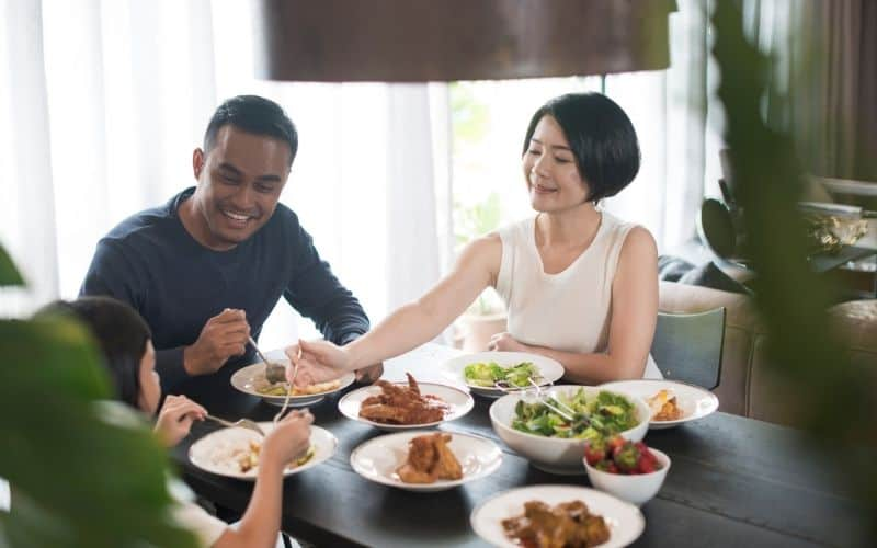How to Live Frugally on One Income - Eat at Home