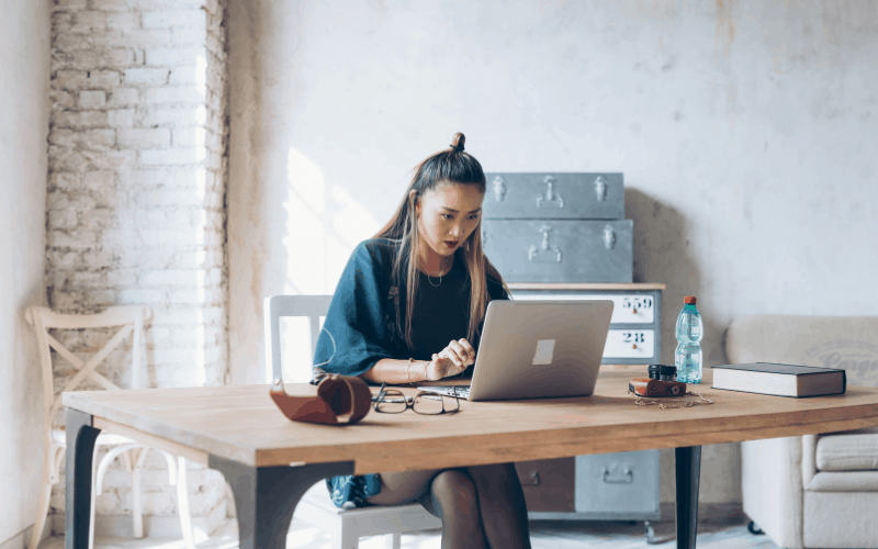 money mistakes to avoid in your 20s - Not having multiple sources of income