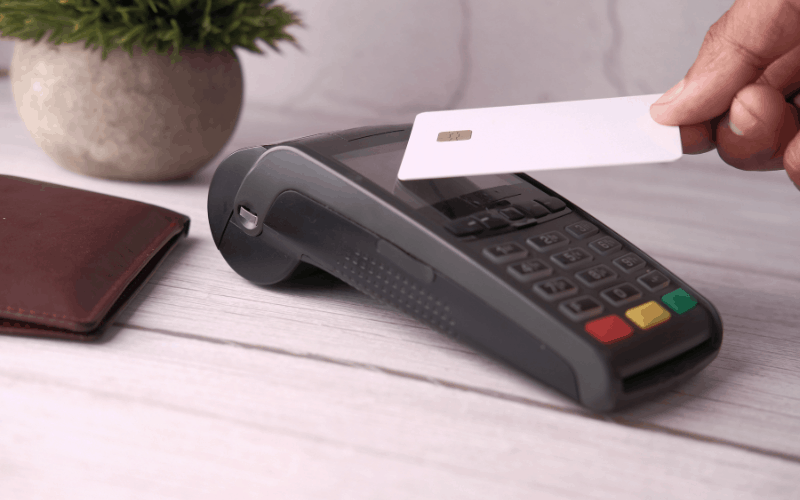 How Do You Use a Contactless Card?